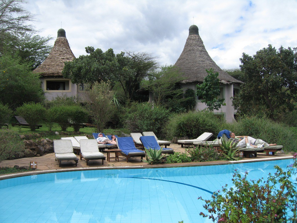 07-lake-manyara-serena-lodge-aug-22-2007
