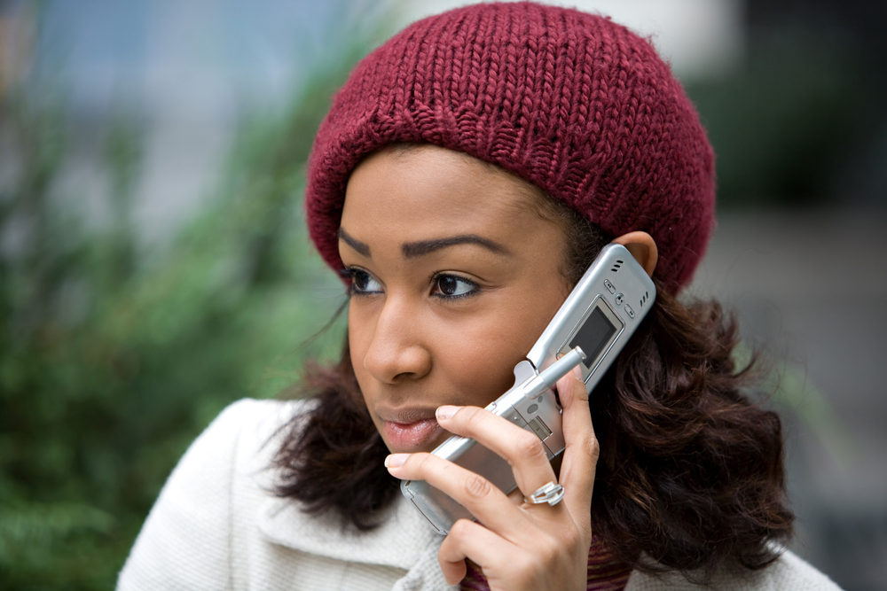 Black-woman-Smart-phone